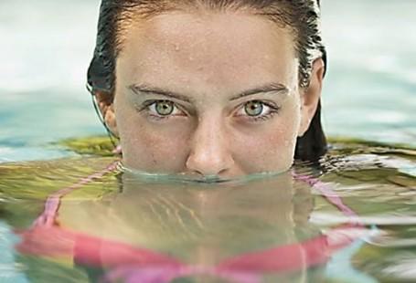 optica-meseguer-xativa-lentillas-para-la-piscina
